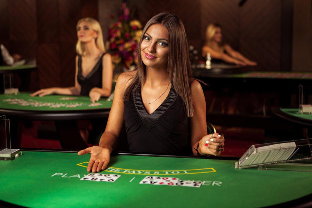 Live Dealer Games for a Real Casino Feel
